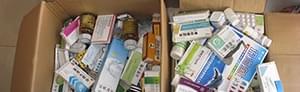 药贩子低价收药品后高价卖农村