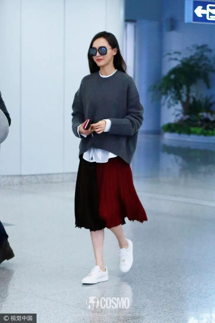 毛衣+半裙=谁穿谁先美啊