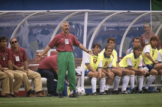 足球史上最伟大的罪人!这背影竟藏着天大的误会:他说截肢也要上!