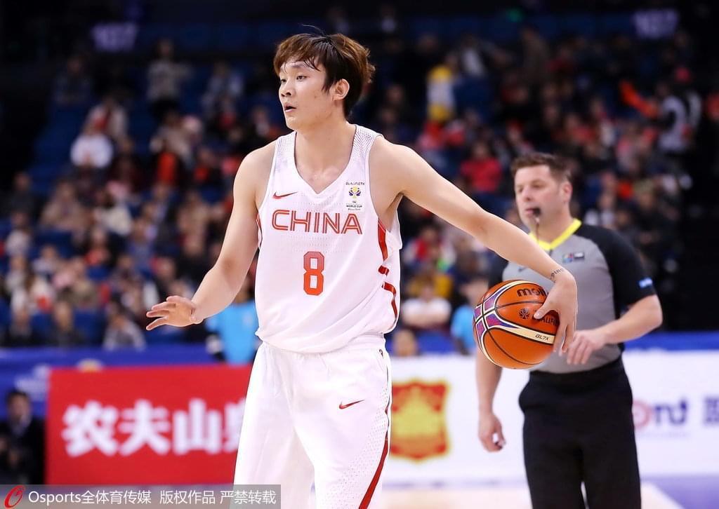 红队打中国香港现13次失误 客场战韩国令人担忧