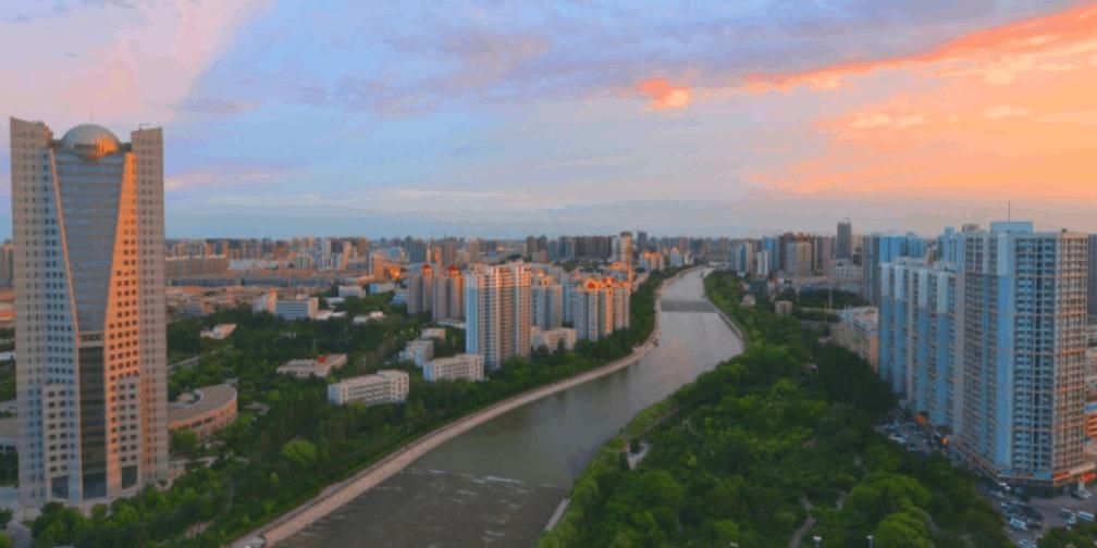 晚霞映梨城 映照孔雀河