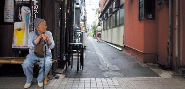 老龄化危机下的日本:有老人100岁仍在工作