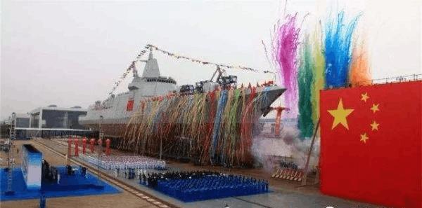 美媒称中国055驱逐舰战力强大 或属世界顶尖水平