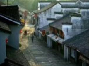 去天天可观潮的江南古城,过大户人家生活
