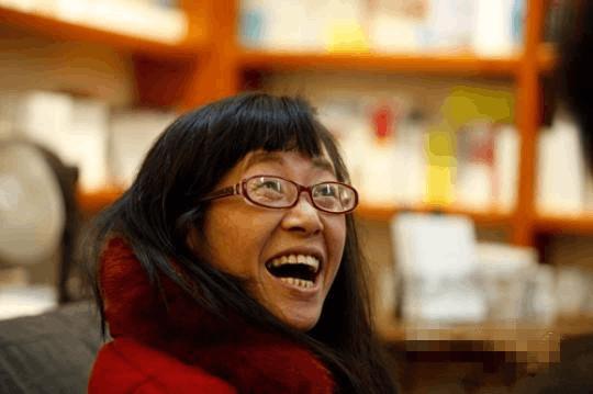 本周四,余秀华在荆州市图书馆新馆等你