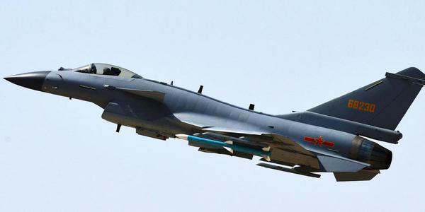 解放军空军将多用途战机J-10C投入实战