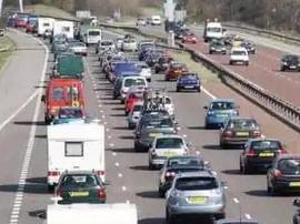 公安发布四大交通安全风险预警 暑期出行要注意...