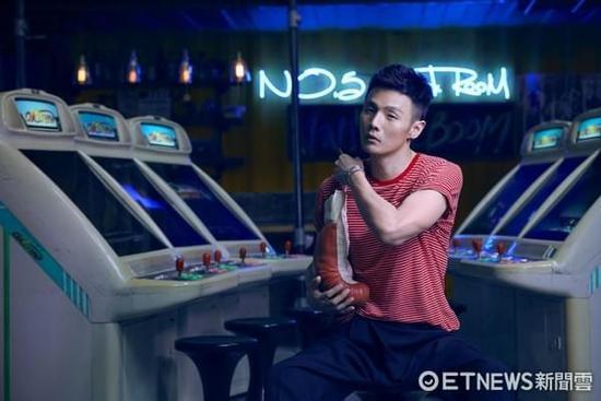 李荣浩将登金曲奖表演 坦言挑战很大已筹备三个月