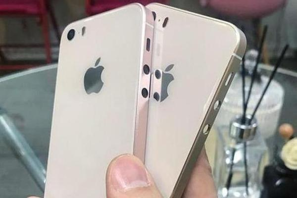 疑iPhone SE 2上手:玻璃后盖