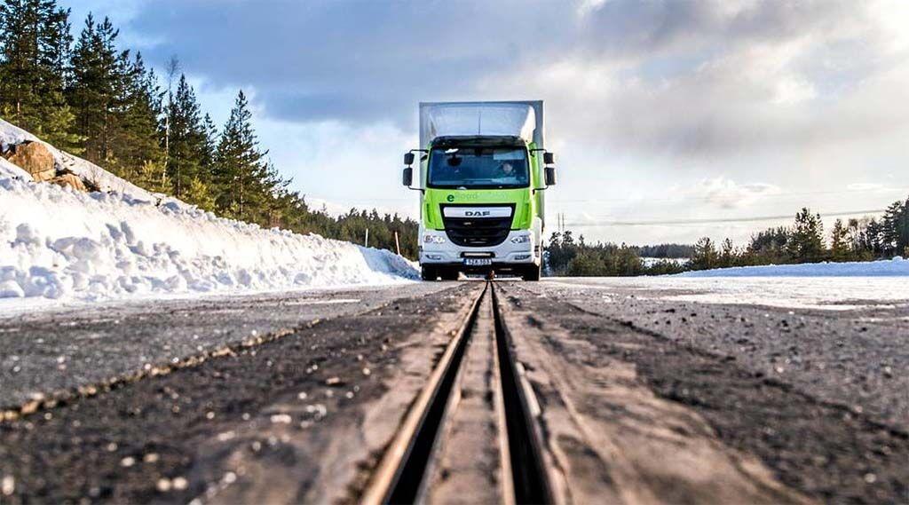 瑞典建成充电公路 边开车边充电还