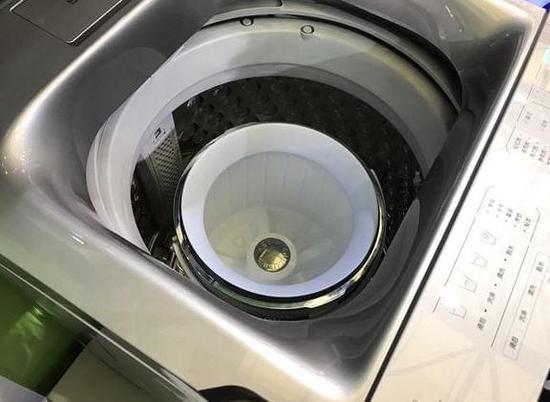 """免污式技术再升级 tcl""""桶中桶""""洗衣机"""