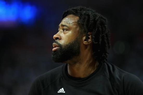 想抢人?12:01来敲门 NBA球员签约的首单迷信