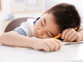 教育部再明确小学生每天要睡10小时