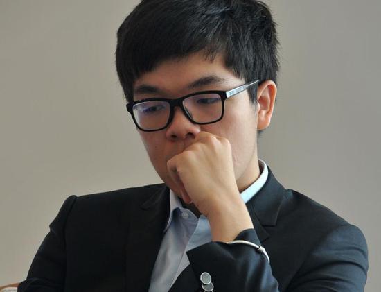 柯洁20岁生日快乐!四冠在手战AlphaGo 传奇刚上路