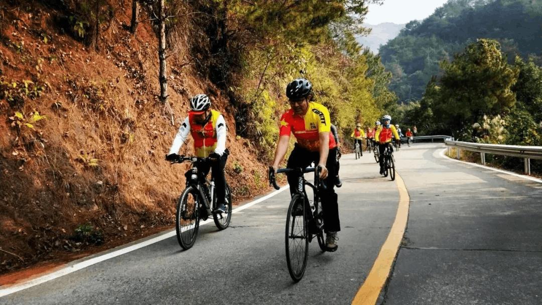 """2018""""体彩杯""""爱骑旅·全国骑行组织丹霞山嘉年华"""