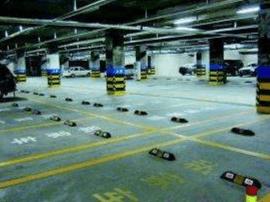 小区停车位应先满足业主 新管理办法15日起执行