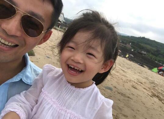 汪小菲自称有了孩子更谨慎了:惜福 不轻易投资