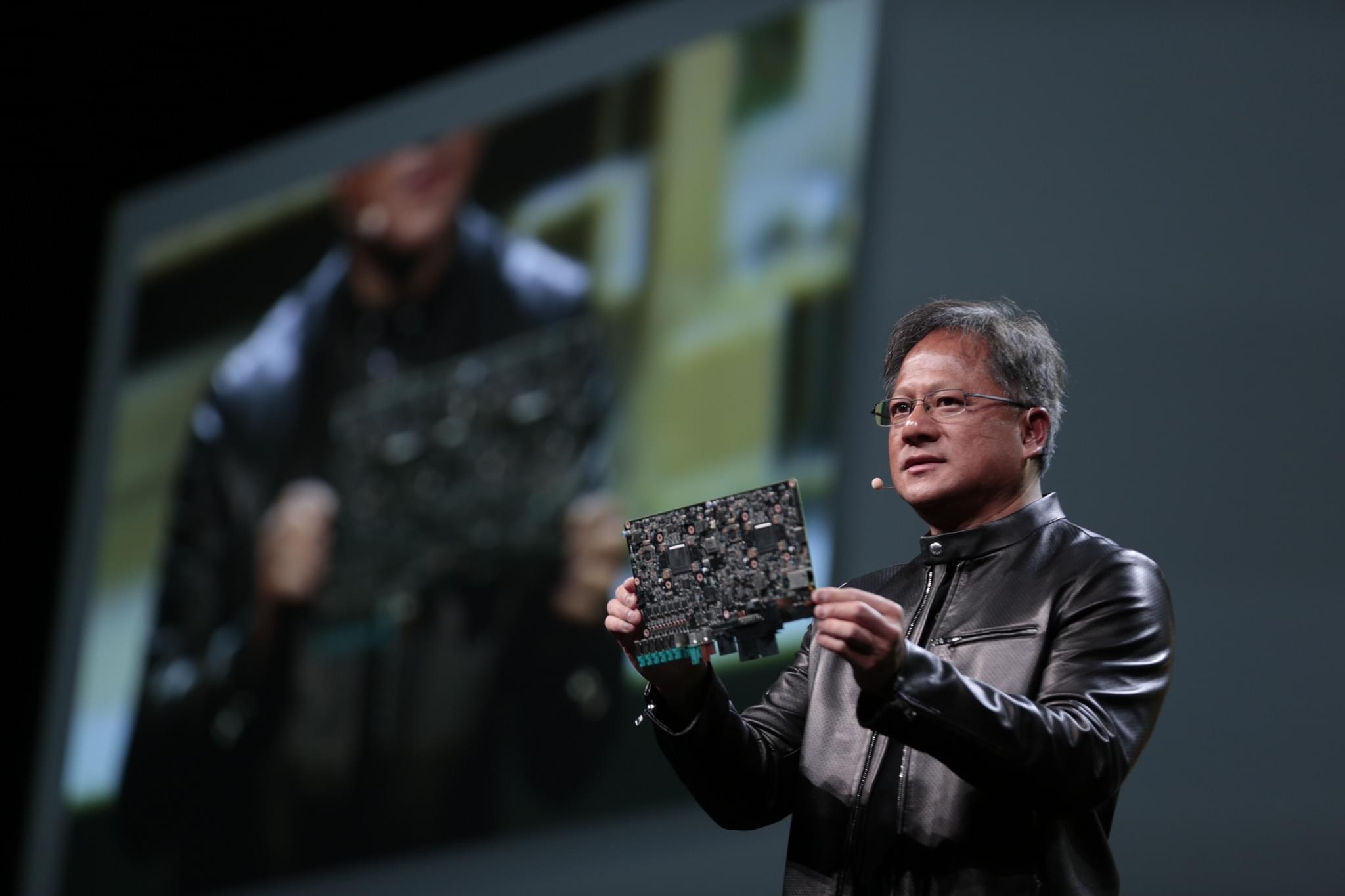 黄仁勋狂怼CPU:摩尔定律已死 未来属于GPU