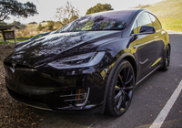 亲身试驾Model X后 这位科技记者成了Autopilot