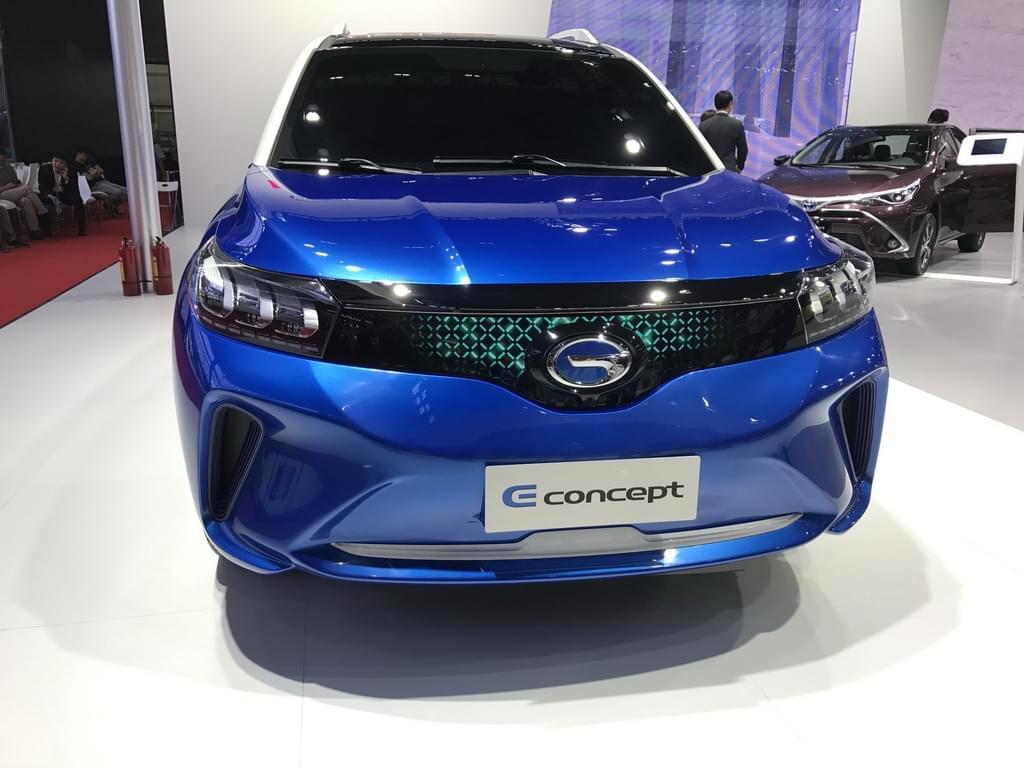 造型很像GS4 广汽丰田推出全新纯电概念车