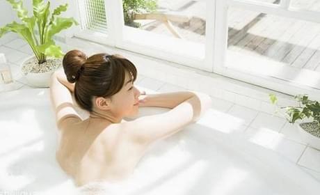 浴缸好还是淋浴好?