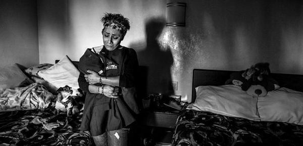 图揭美国退伍女兵现状 流离失所生活艰难