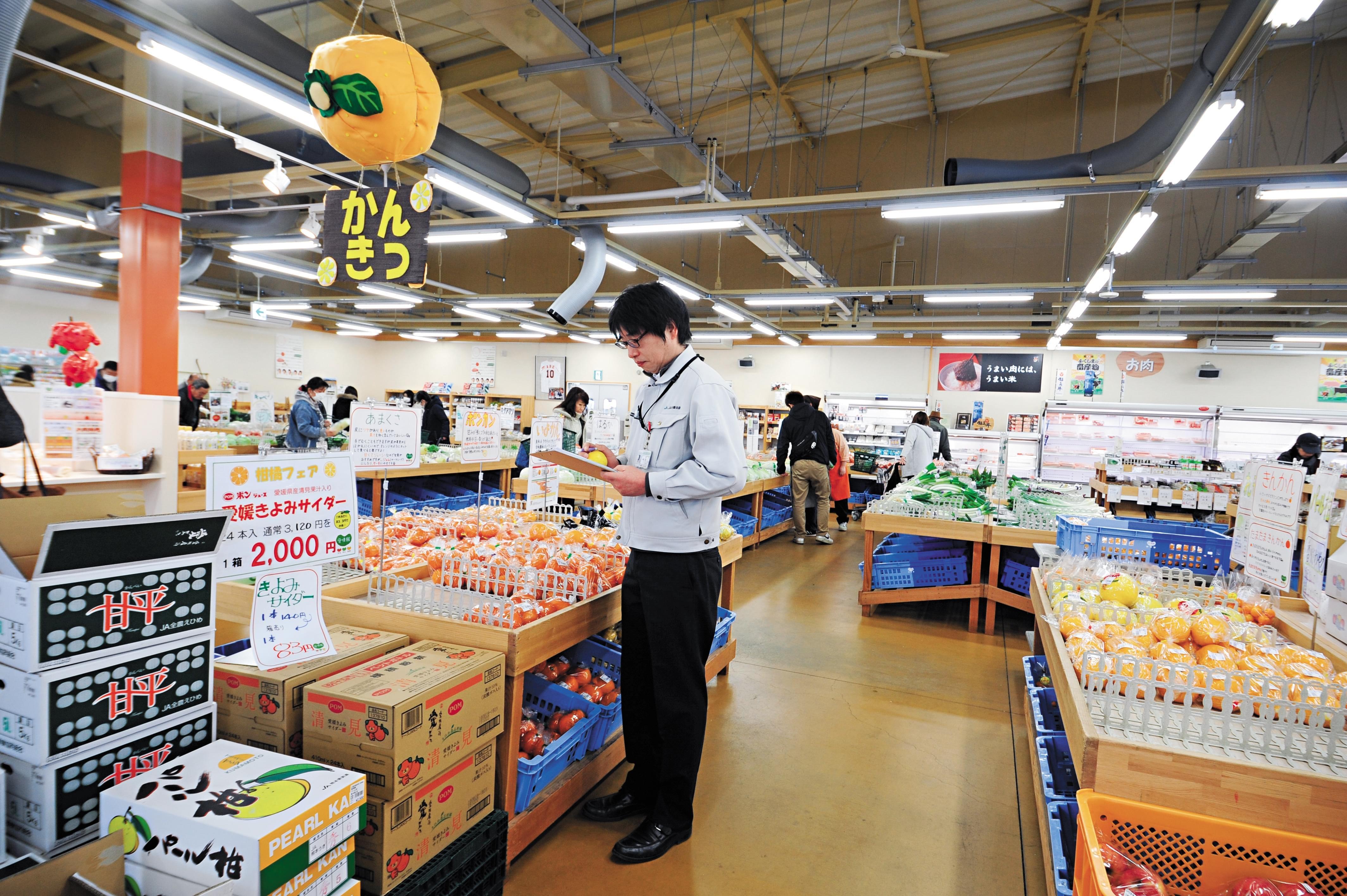 2016年3月,日本福岛一家直销超市,在此可购买一切检测合格的食品。/视觉中国