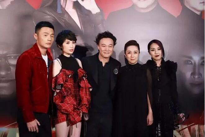 陈奕迅称助阵好友非主流 杨千嬅不服:我是仙女