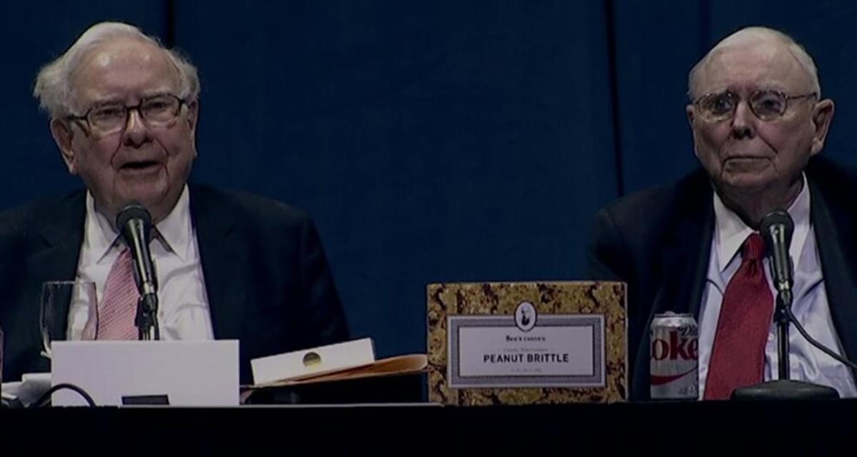 巴菲特在股东大会上回答提问