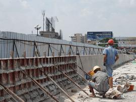 石龙:南岸二桥改建工程完成总工程量的75%