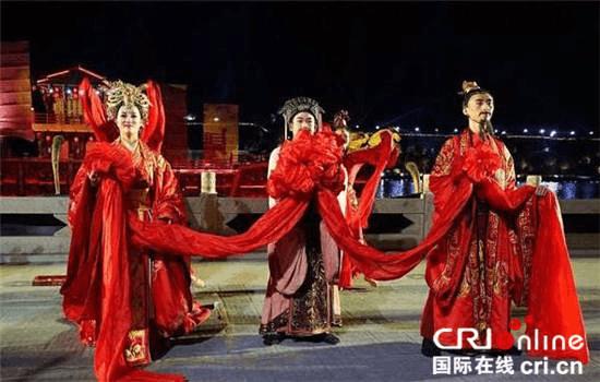 """水上实景剧《刘备招亲》:一场""""水深火热""""的婚礼"""