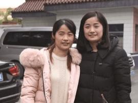 警方发现两女长得太像 竟是分离26年双胞胎姐妹