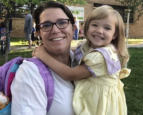 美穿传家宝连衣裙上幼儿园 已历经三代