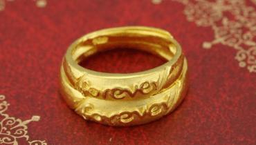 彩金和黄金哪个好 结婚戒指选哪个材质