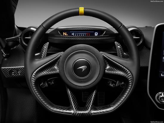 从两张官图的仪表盘可以看出,MSO将为塞纳车型提供更为丰富的定制化元素