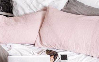 对于忙碌的你来说 怎么样才能睡个美容觉?