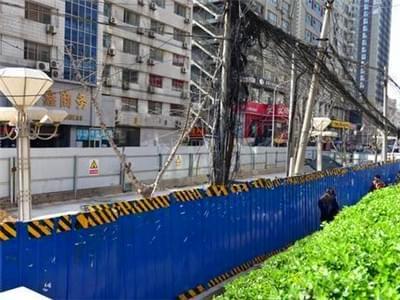 郑州农科路经三路围挡已一年多 有望月底拆除