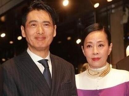 周润发妻子回应富商家庭背景 感慨父亲是坚强的人