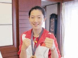 厉害了  国内拳坛首位女台裁是山西22岁女子