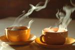 研究:喝热茶还吸烟喝酒 更易患食道癌