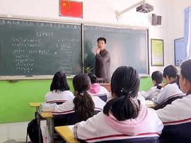 山区教师霍保昌: 不让一个孩子掉队