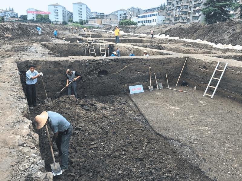 荆州龙凤庄考古发现宋明清道路遗存