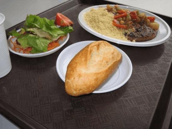 欧洲时报:贫穷学生吃不起 法国学校食堂待改善