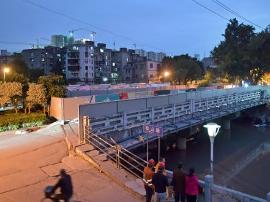 福州地铁成功穿越凤坂河桥 距桥桩最窄处仅余0.25米