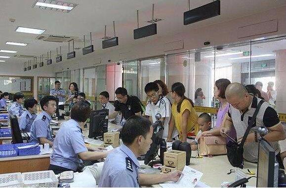 出入境便民举措成功落地荆州 流程简化收费下调