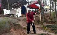 八旬老人自建公园对民众免费开放