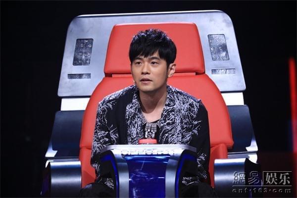 """《新歌声》周杰伦刘欢陈奕迅联合""""陷害""""那英"""