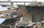 10艘装有60吨原油船停靠通扬河边一搁4年