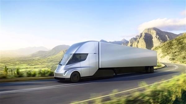 特斯拉电动半挂卡车Semi预订量可能已超1200辆