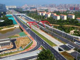 前湖大道快速路两处辅道已正式通车投入使用